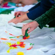 Taller infantil de pintar samarretes Hotel Garbí Cala Millor