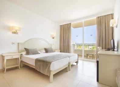 Habitación del Aparthotel Garbí Cala Millor