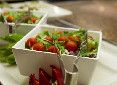Amanida del restaurant de l'Hotel Garbí Cala Millor