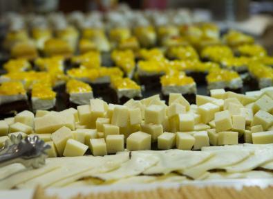 Quesos del restaurante buffet en Cala Millor Mallorca