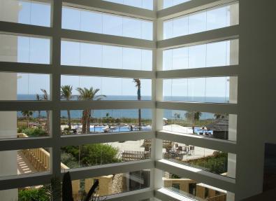 Hotel Garbí Costa Luz con vista al mar