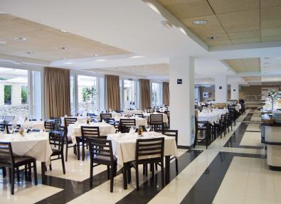 Restaurante del Hotel Garbí Costa Luz