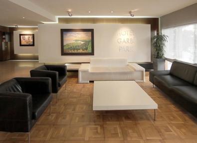 Halle des Hotels Garbí Park