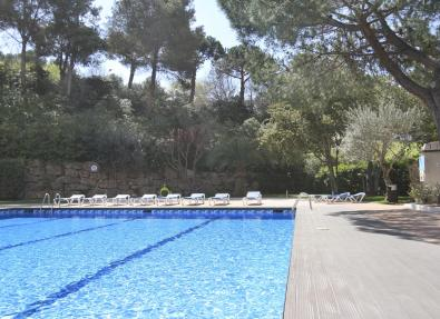 Outdoor swimming pool of the Hotel Gran Garbí