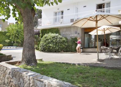 Entrée de l'Hôtel Villa Garbí