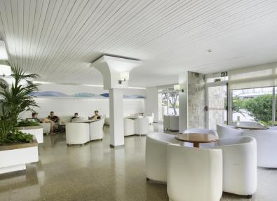 Entrée intérieure de l'Hôtel Villa Garbí Costa Brava